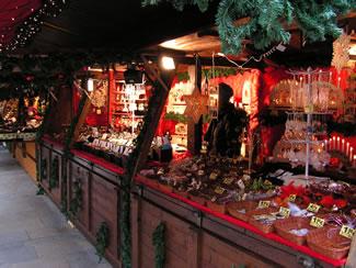 Stände Weihnachtsmarkt.Regensburger Christkindlmarkt Neupfarrplatz 2019 Informationen über