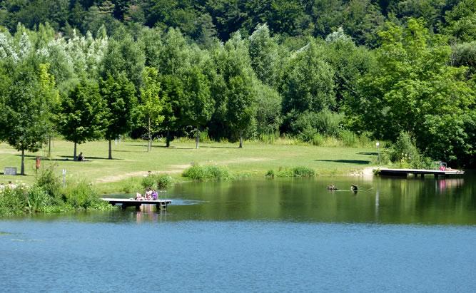 Flussbad Ettertshausen an der Naab. Baden in mitten einer wunderschönen Natur.