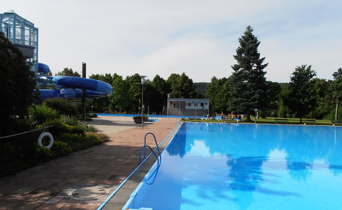 Keldorado Kelheim - Erlebnisbad mit guten Öffnungszeiten für die ganze Familie