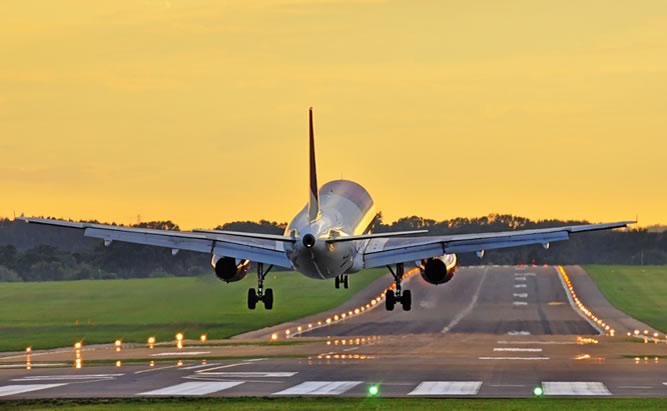 Anreise mit dem Flugzeug nach Regensburg.