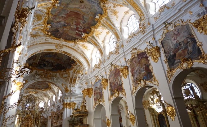 alte kapelle regensburg ffnungszeiten erste kirche bayerns. Black Bedroom Furniture Sets. Home Design Ideas