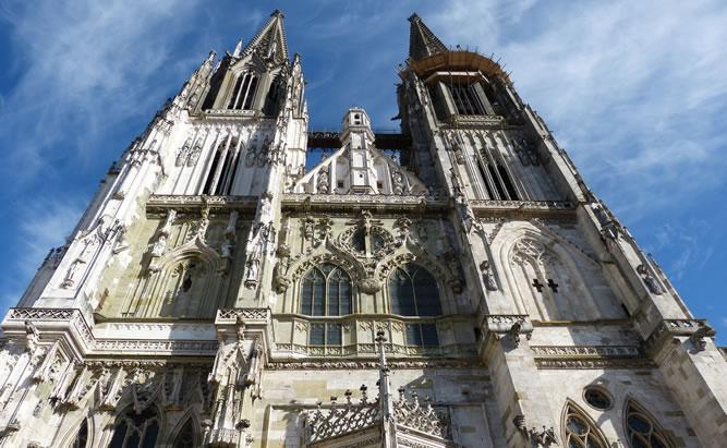 Regensburger Dom St. Peter Sehenswürdigkeiten in Regensburg - Heimat der Domspatzen im Bistum der Stadt