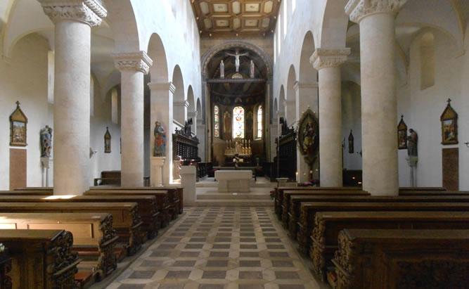 Schottenkirche St. Jakob Regensburg- Informationen über Schottenportal, Jakobsweg und Öffnungszeiten