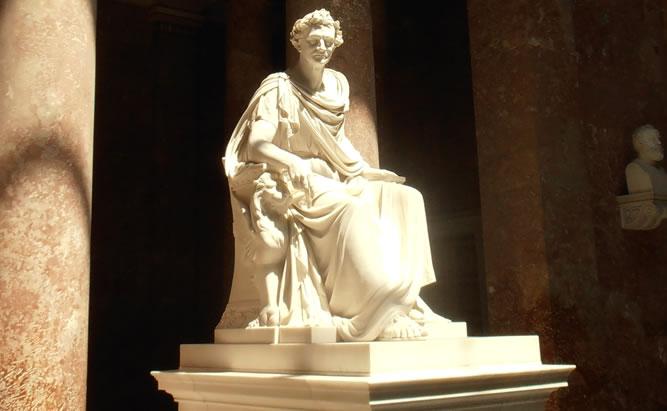 Berühmte Persönlichkeiten aus Regensburg und Umgebung. Marmorstatue sitzend auf einem Trohn.