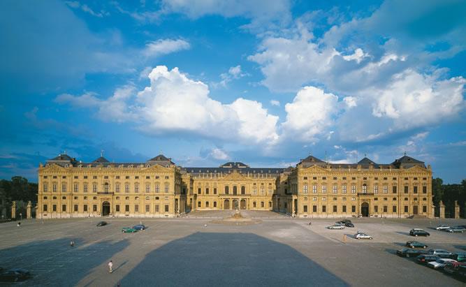 Die Würzburger Residenz von aussen